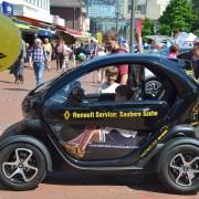 Das Foto zeigt ein Renault-Mobil bei der Tibarg Autoschau 2016 in Hamburg-Niendorf