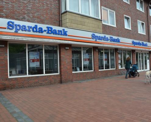 Die Sparda-Bank in der Frontansicht am Tibarg