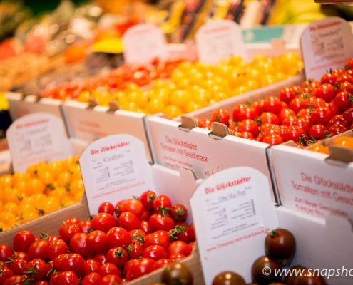 Tomaten in allen Farben und Formen