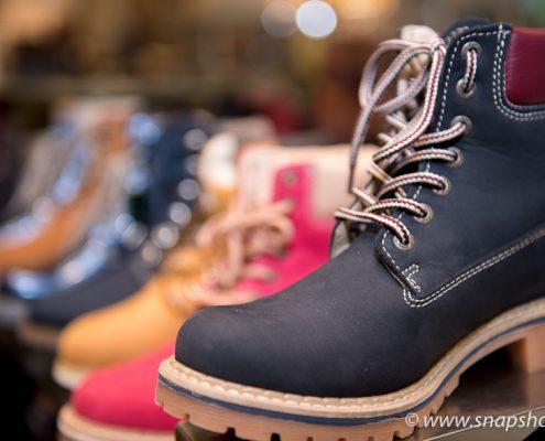Festes Schuhwerk in allen Farben