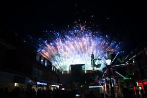 Großes Feuerwerk über dem Tibarg-Center beim Tibargfest 01.-03. Juli 2016