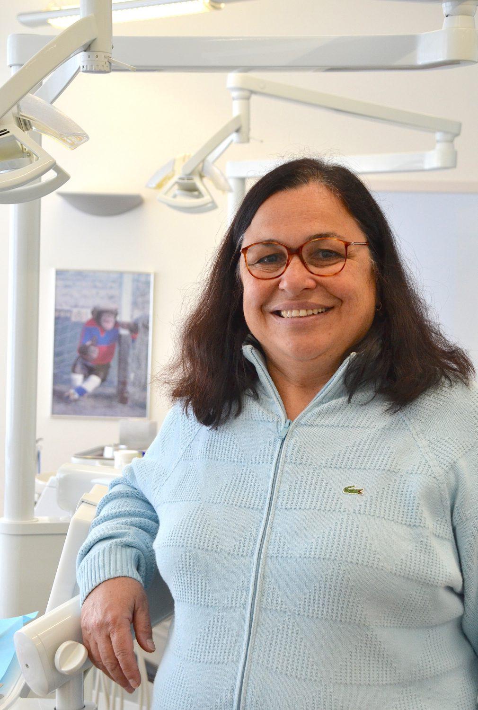 Die Kieferorthopädische Praxis Dr. Nilgün Akin-Nergiz zeichnet sich durch ein besonders vertrauensvolles und familiäres Ambiente aus.
