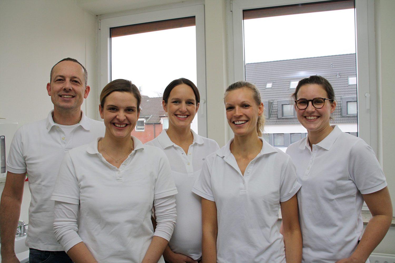 Das Team rund um Konstantin von Laffert kümmert sich um Ihre Zahngesundheit