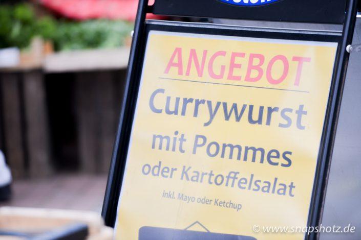 Currywurst Pommes ist der Verkaufshit