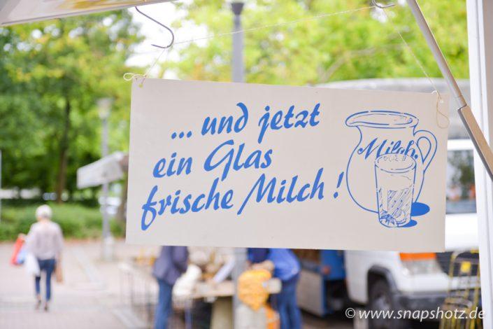 Bei Käse Meier gibt es auch frische Milch zu kaufen