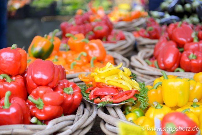 Paprika zum Probieren beim Gemüsestand Putfarcken